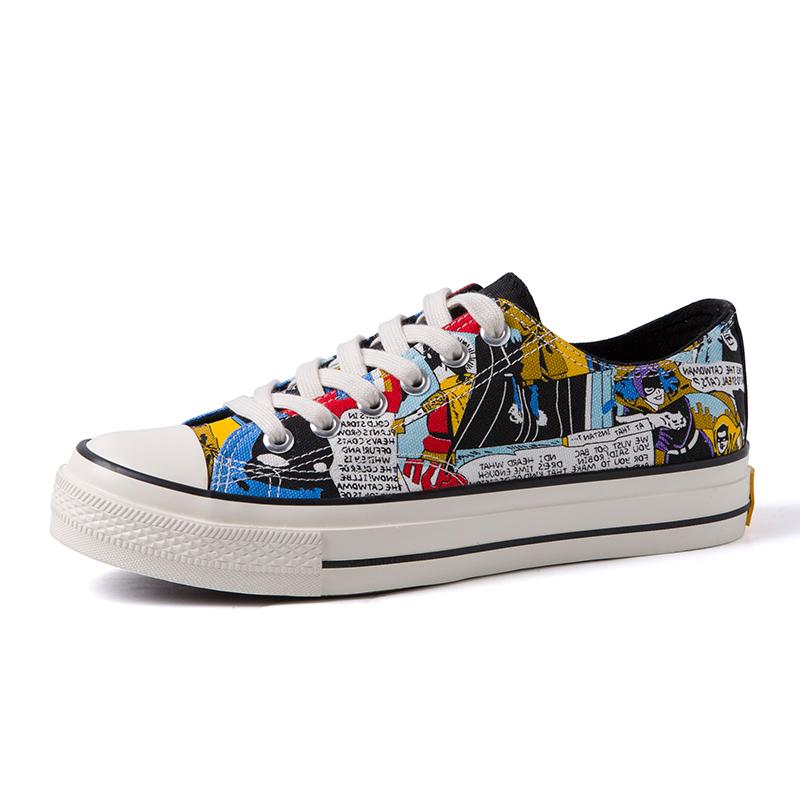 . Graffiti canvas shoes mens Korean fashion personality versatile animation shoes mens fashion shoes student low top printed mens board