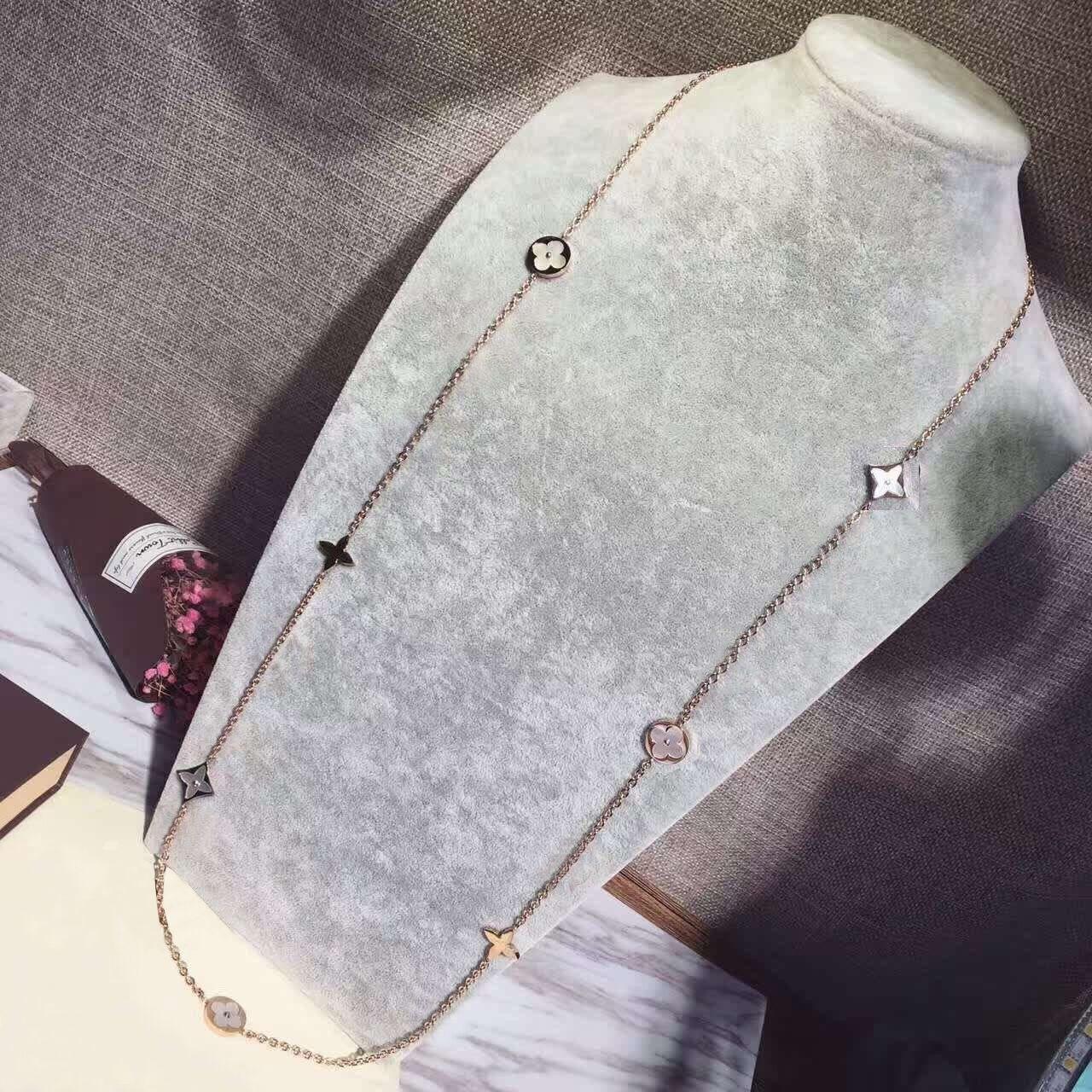 Steel f sweater fashion black female clover colorfast accessories thick medium long pendant Korean chain necklace titanium