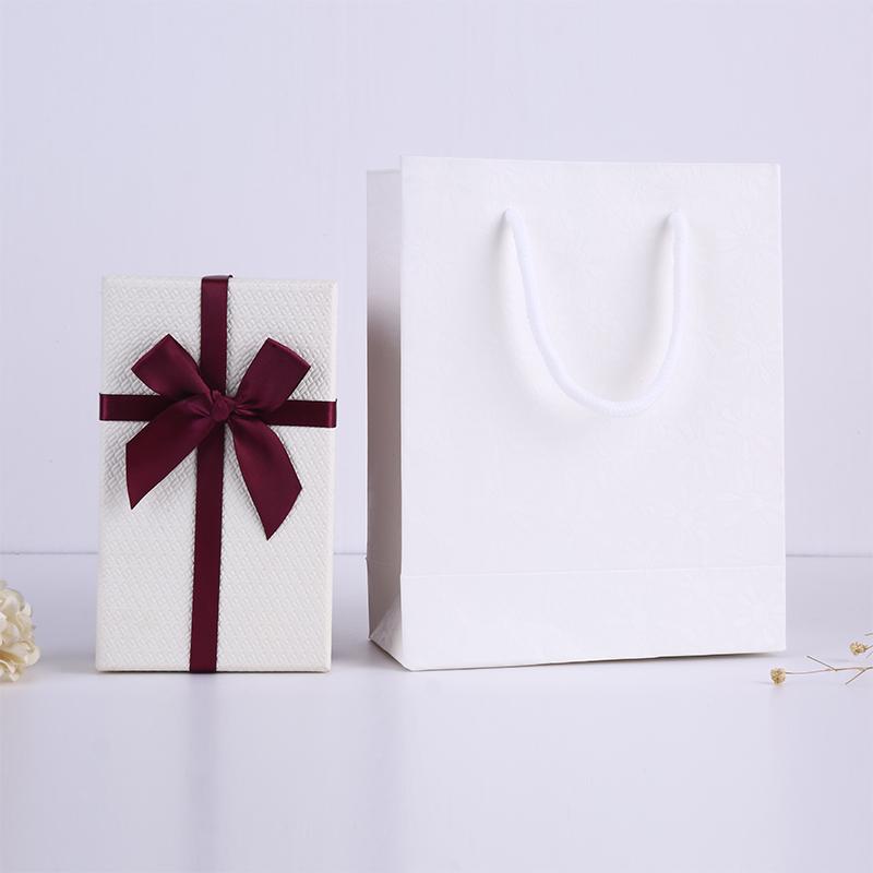 高档物的小盒子精风小号礼盒in女致高级礼物盒送s友X手链项链奢华