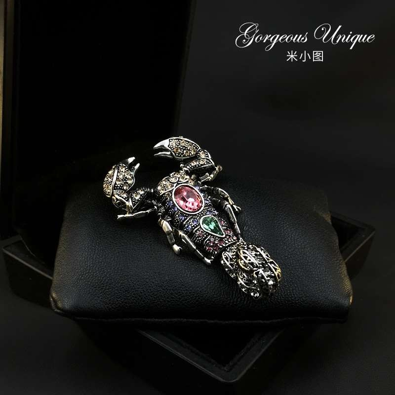 Accessories high grade scorpion suit mens coat special exquisite Pin Brooch 578