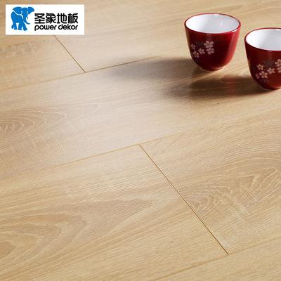圣象地板F4星环保浮雕面强化复合耐磨北欧卧室客厅家用锁扣木地板