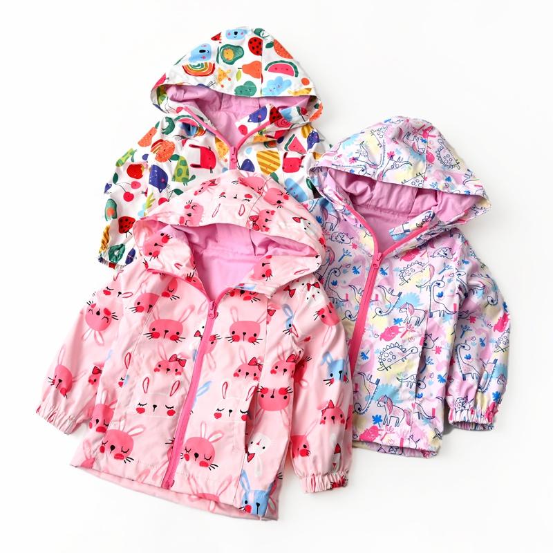 儿童连帽防风衣满印图案女童冲锋衣开衫上衣外套春秋款童装。
