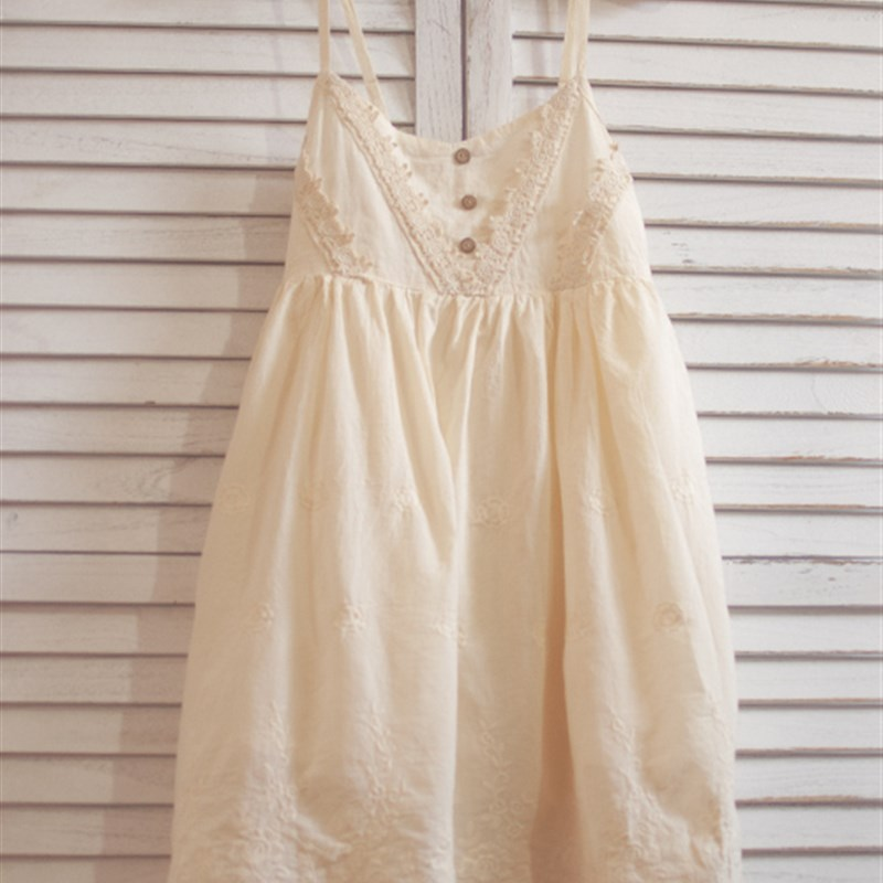 202 Qingxia new dress new small 1 sub pure cotton embroidery suspender skirt loose bottomed w skirt pure cotton skirt