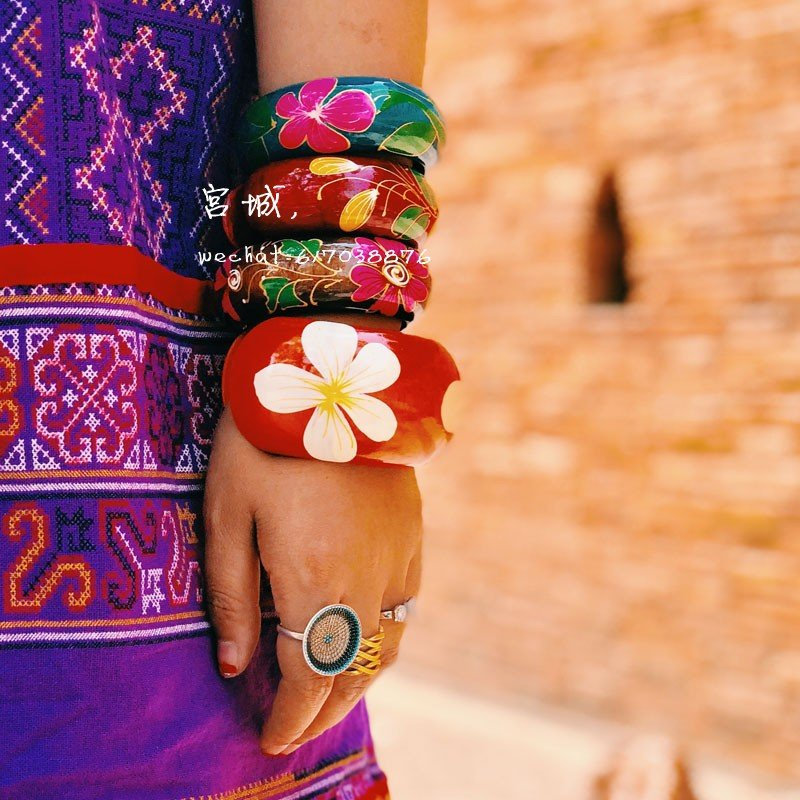 Carved and painted Bracelet wide Indonesian Thai style painted wood lacquer painting brought back Bracelet hand egg wooden flower ethnic fine