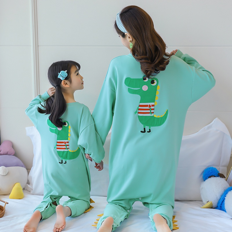 Childrens and girls parent-child womens wear pure cotton dinosaur spring and autumn conjoined pajamas, one long sleeve baby sleeping bag home.