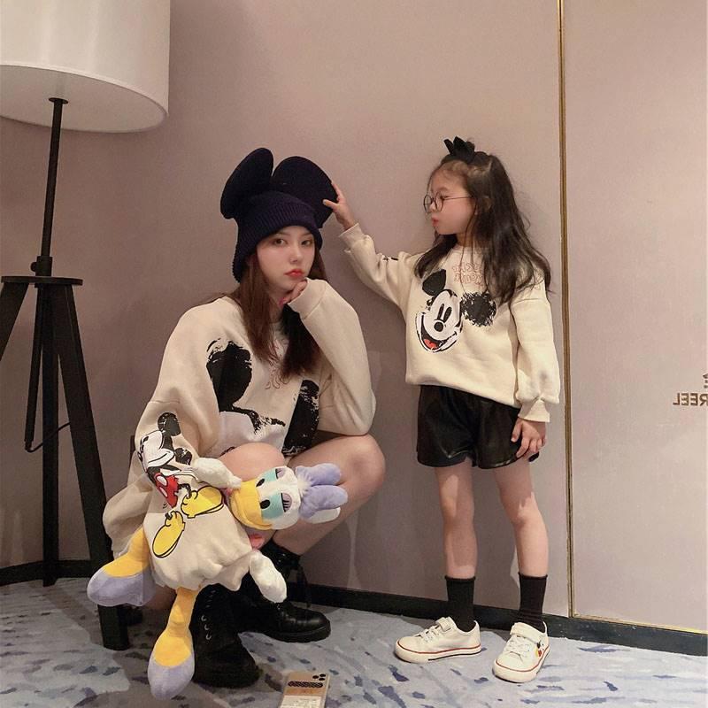 韩国网红炸街亲子装2021新款春秋韩版卫衣母子母女装洋气高端外套