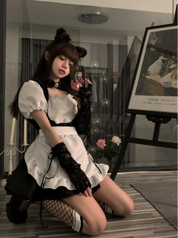 セクシーなメイド服の女性用短いスカートの背の低いロリータの制服