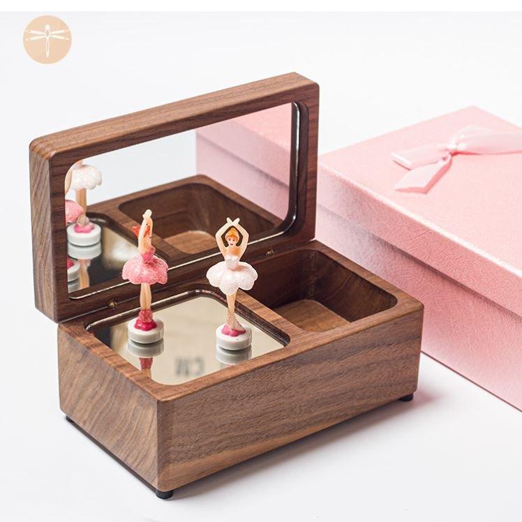 同趣拼装八音盒4d幻觉可爱迷你婴儿网红男孩木制童趣发条式浪漫