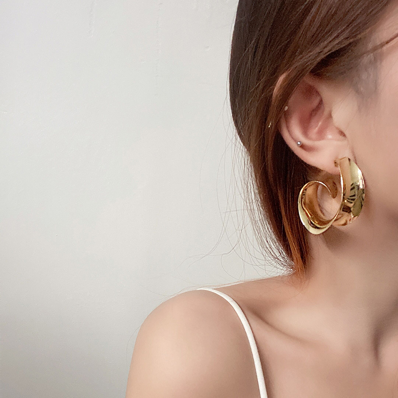 Mango grapefruit European and American style light texture Earrings versatile large circle spiral half circle no ear hole