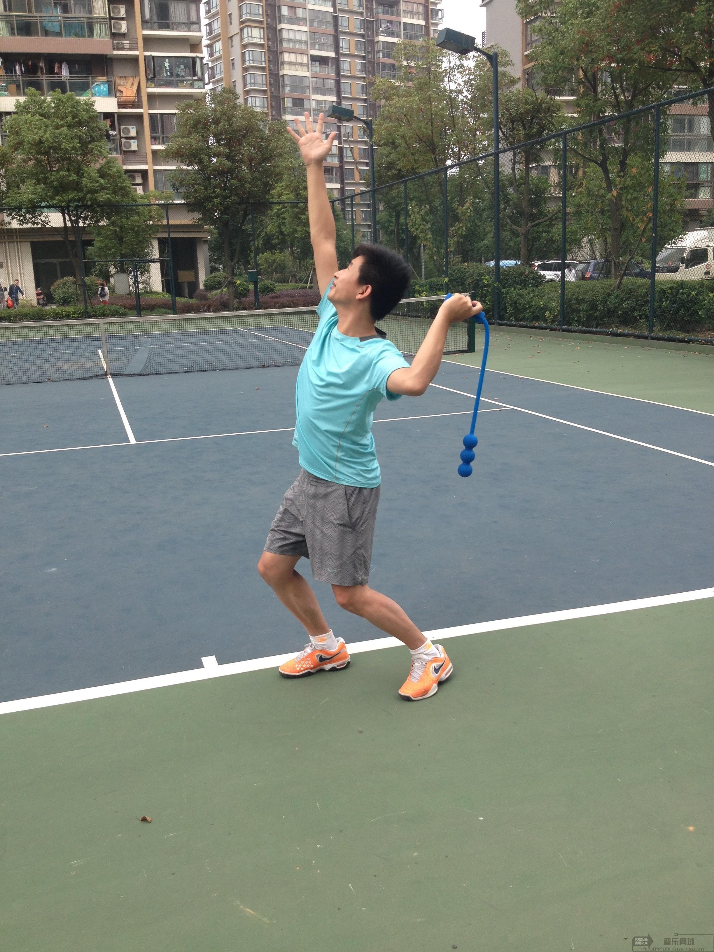 器练习器发球鞭网球训练网球练习网球器网球练习