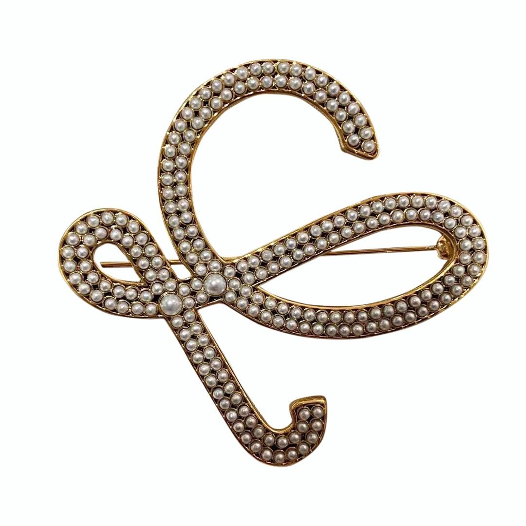 European and American beads inlaid geometric retro English letter Brooch suit wool o clothing pin Abstract high-grade hairpin