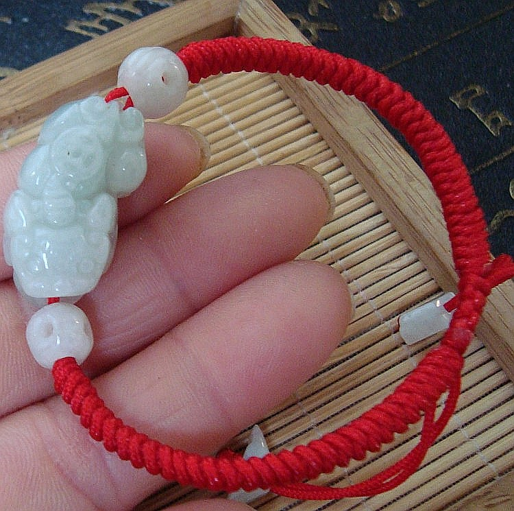 Hand woven red rope jade bracelet jade a goods jade bracelet womens jewelry package