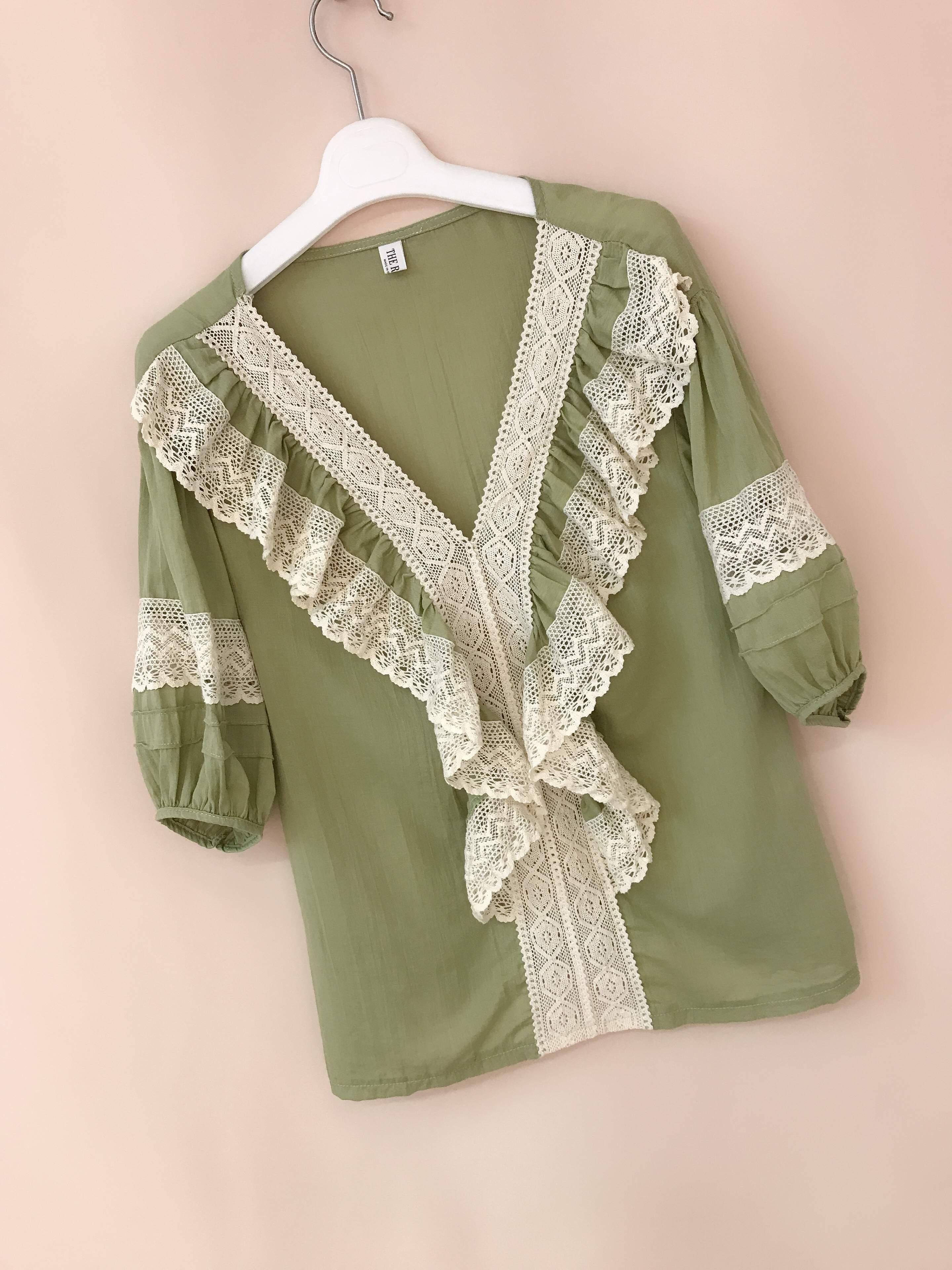 Korean womens Ruffle cotton shirt womens short sleeve linen French shirt womens Retro V-neck pure cotton shirt