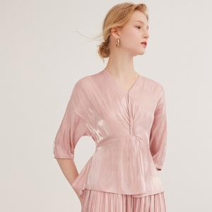 纳薇2020夏季超仙V领打结收腰光泽缎面五分袖小上衣粉色衬衫女