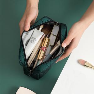 網紅化妝包ins風超火女小號便攜大容量旅行防水洗漱包品收納袋盒