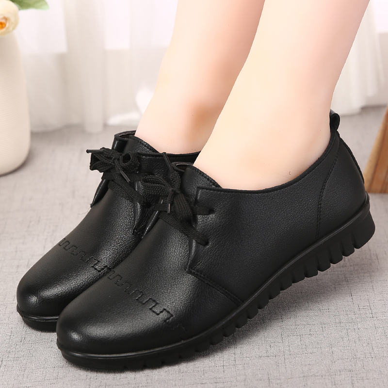 Middle aged and elderly womens shoes antiskid soft sole single shoes flat heel flat sole comfortable middle aged womens shoes autumn mothers shoes