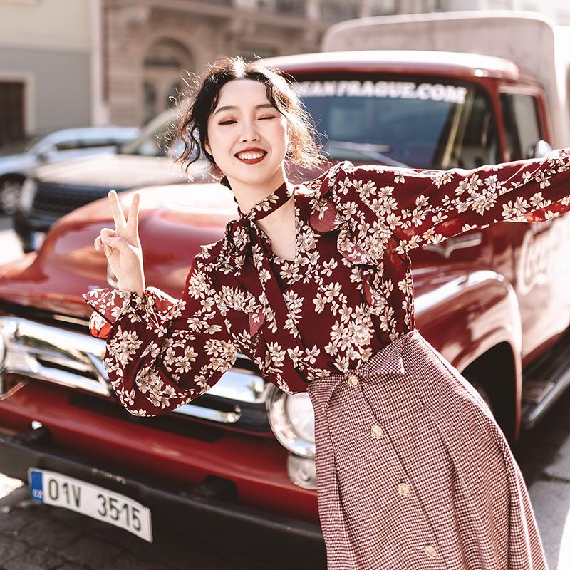 麓津自制《托斯卡纳艳阳下》日系酒红色复古印花choker款长袖衬衫