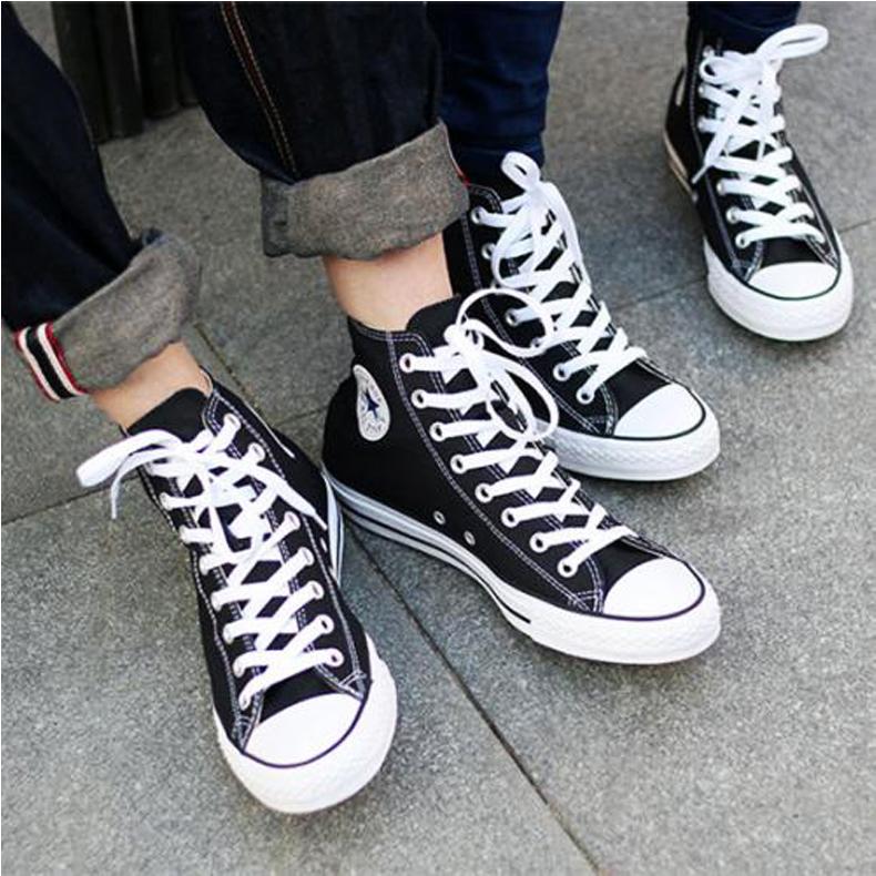 匡威经典款帆布鞋