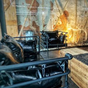 铁艺小沙发复古工业风卡座服装店工作室单人网红双人沙发椅子铁架