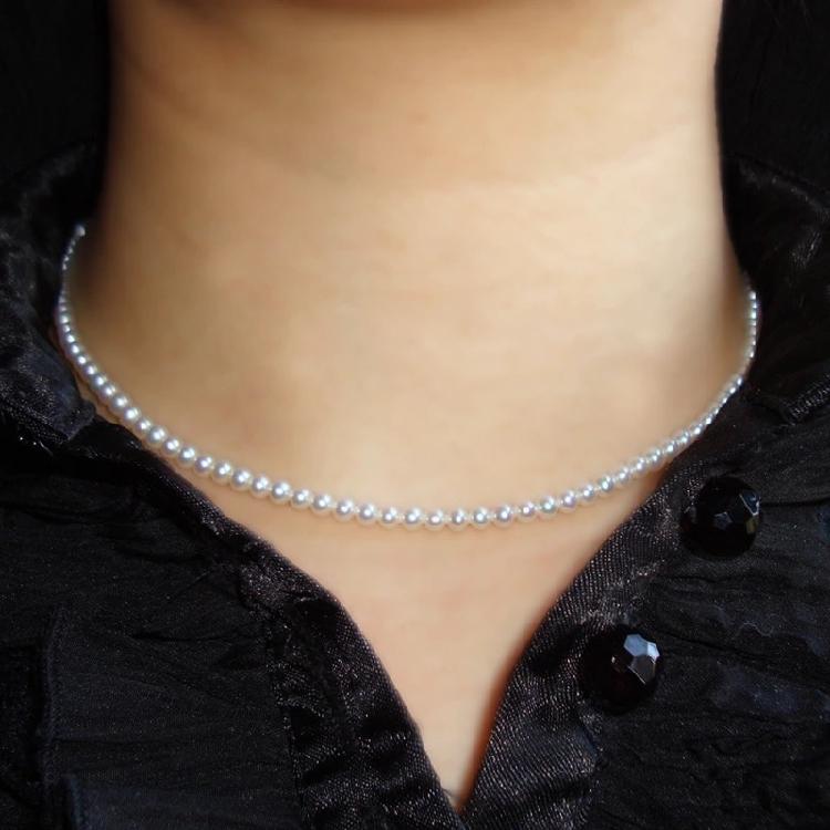 天然淡水のミニ真珠のネックレス4-5 mm近くの円は強くて、小さい真珠の若い女性の金がない暇がありません。