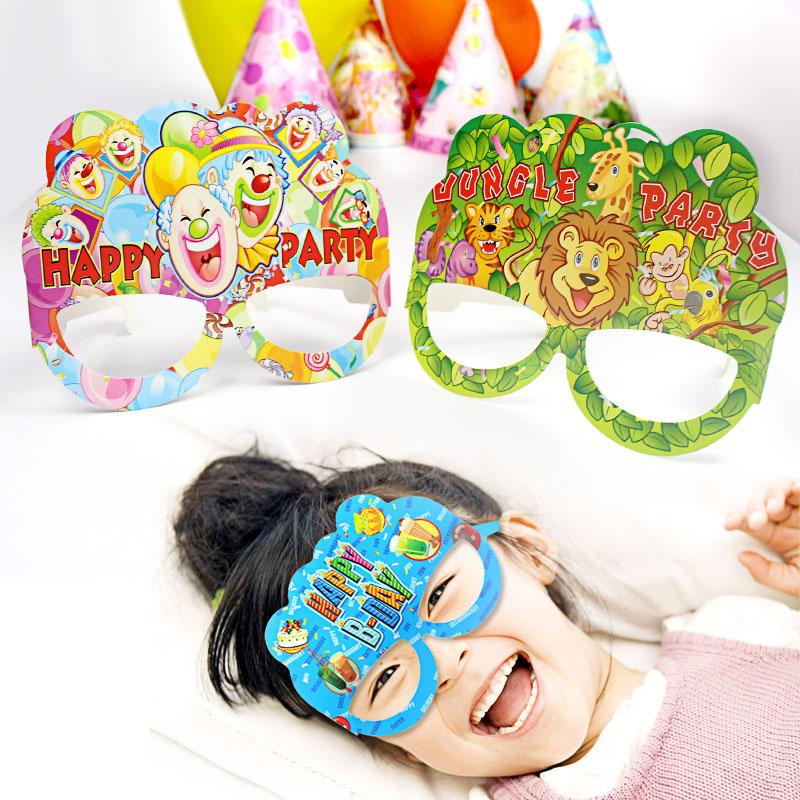 Ребенок ребенок день рождения партия статьи на месте ткань положить статьи бумага очки одноразовые маска живая перейти газ атмосфера