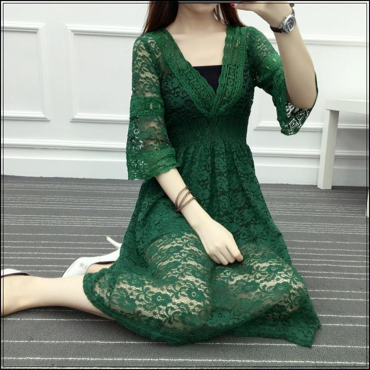 大码女装胖mm200斤加肥加大码纯色中长款夏新款时尚收腰V领连衣裙