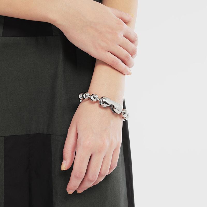 网红ins同款MM6马吉拉小众设计泫雅风钛钢大圆珠手链酷个性女男潮满68元可用5元优惠券