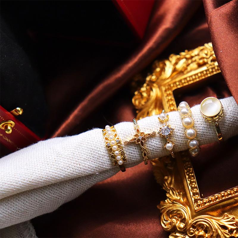 L法式复古vintage轻奢镀14k金十字架珍珠镂空皇冠猫眼石镶钻戒指