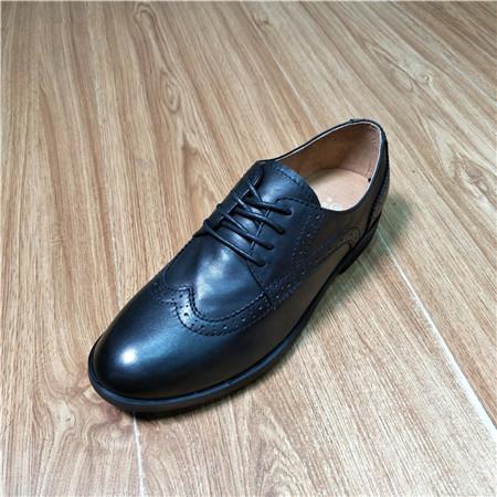 ブラックヘッド層牛革女史低ヒールのチェーンの靴