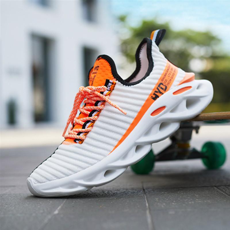 運動靴男子2021夏の新型韓国版の流行学生はレジャー靴を結び付けます。