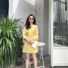 Via Vela连衣裙气质小香风V领女装姜黄色高腰显瘦修身七分袖裙子