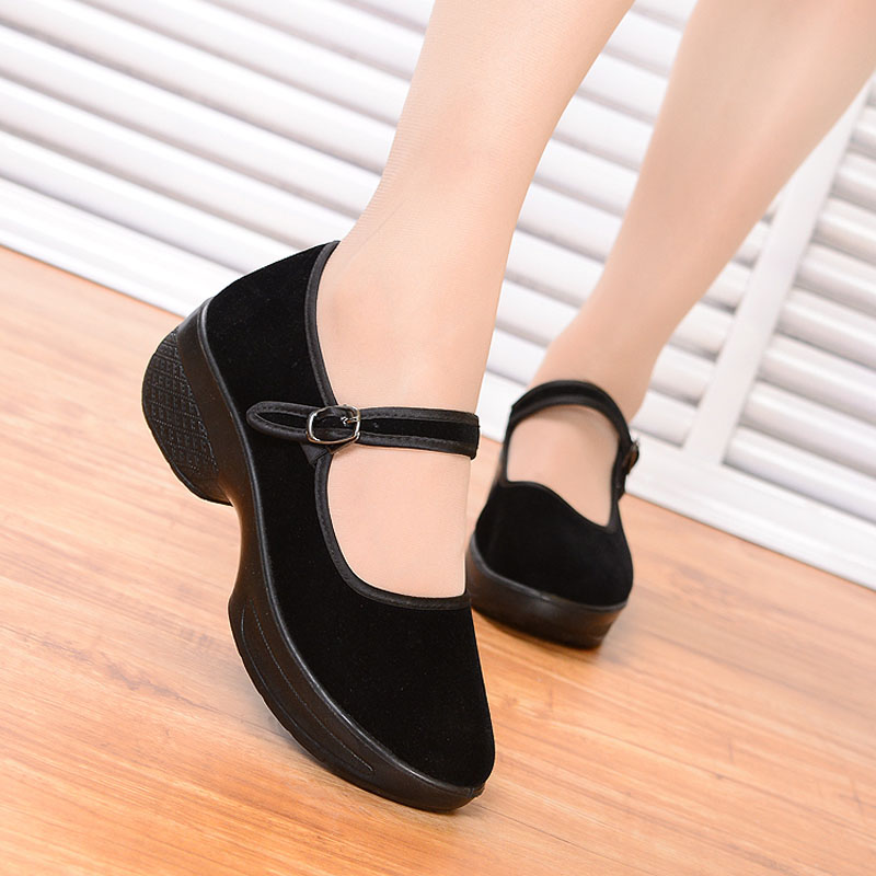 New old Beijing dance shoes high heel square dance shoes soft soled womens dancing shoes black hotel working womens cloth shoes
