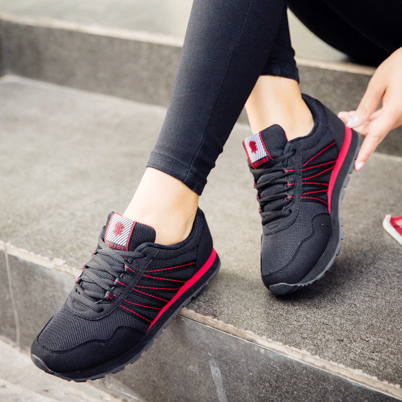 Autumn new Becky genuine flat bottomed womens shoes comfortable mothers shoes womens black shoes sports slow running single shoes