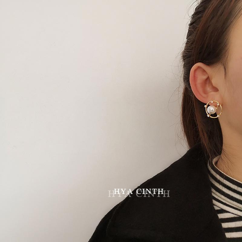 中國代購|中國批發-ibuy99|耳钉|韩国东大门圆形盘状镂空珍珠耳环极简轻奢欧美风锆石耳钉耳饰品女
