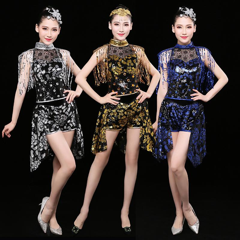 现代舞演出服新款亮片韩版广场爵士舞服装成人女开场舞蹈短裙套装