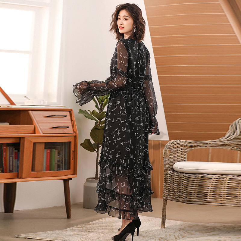 Spring and summer new womens Lace Chiffon Dress Black note print trumpet sleeve V-neck light skirt