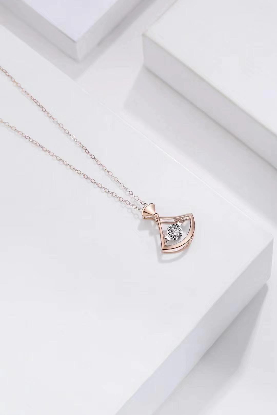 法时珠宝 钻石吊坠18K玫瑰金彩金项链吊坠锁骨链灵动闪耀简约
