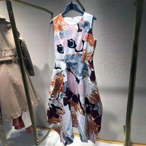 2021年阿玛施新特国内正品代购夏季新款修身无袖印花收腰连衣裙女