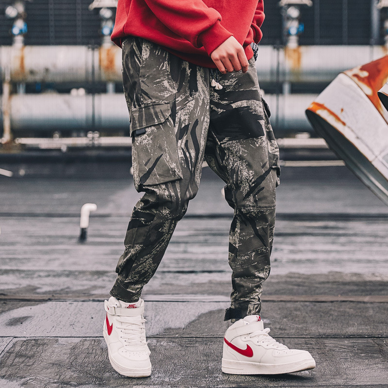2020 spring and autumn new Multi Pocket drawstring casual pants camouflage Harlan overalls Leggings fashion brand long pants