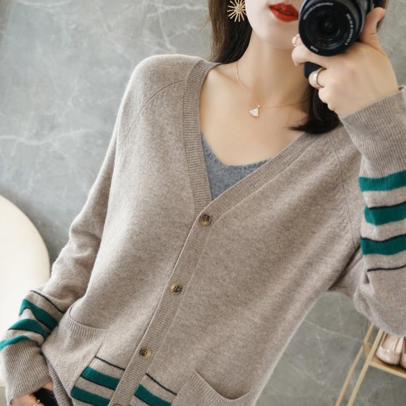 羊绒开衫女V领新款潮百搭拼色短款外穿毛衣宽松羊毛衫女开衫外套