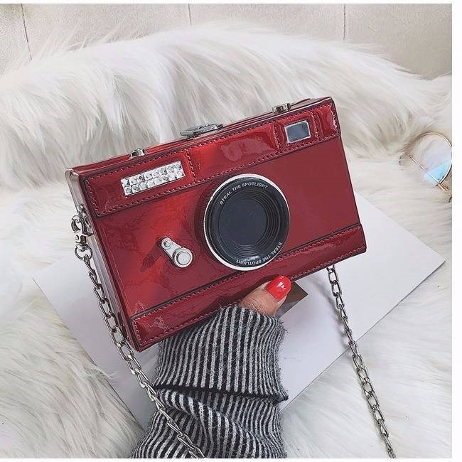 Ins super fire personalized camera bag womens new fashion Korean version of versatile girl chic chain messenger bag