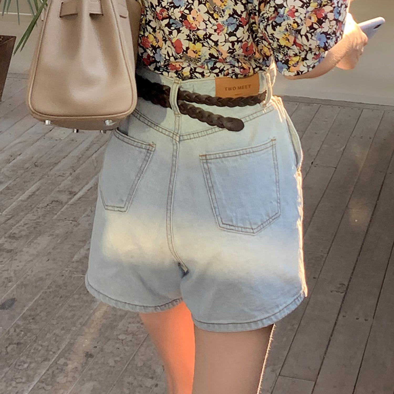 法儿家韩版2020年新款穿搭女薄款宽松超高腰显瘦夏季浅蓝牛仔短裤