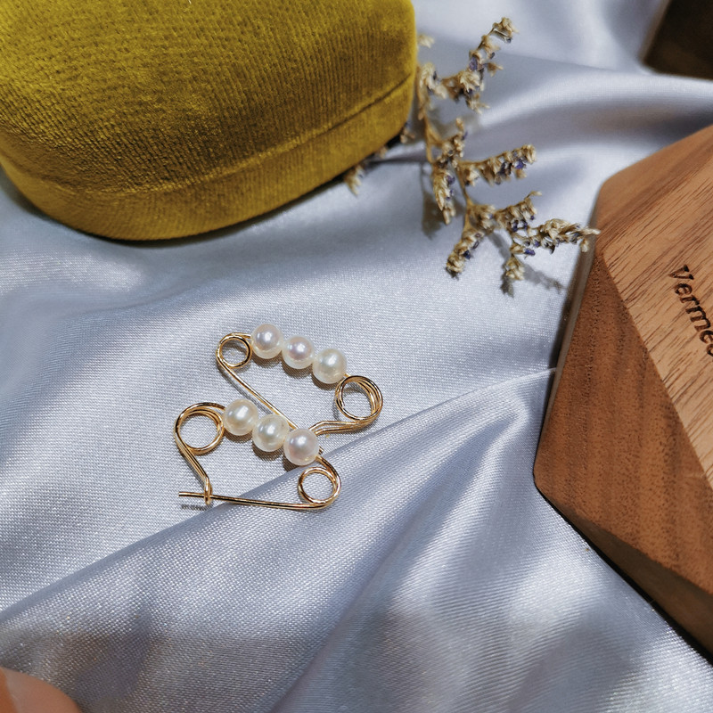 American 14K Gold 4-5mm round fresh water bulb Natural Pearl back pin earrings earrings female