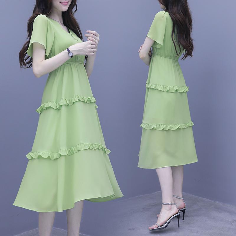 牛油果绿雪纺连衣裙2019流行新款收腰显瘦气质智熏裙法式桔梗裙子包邮