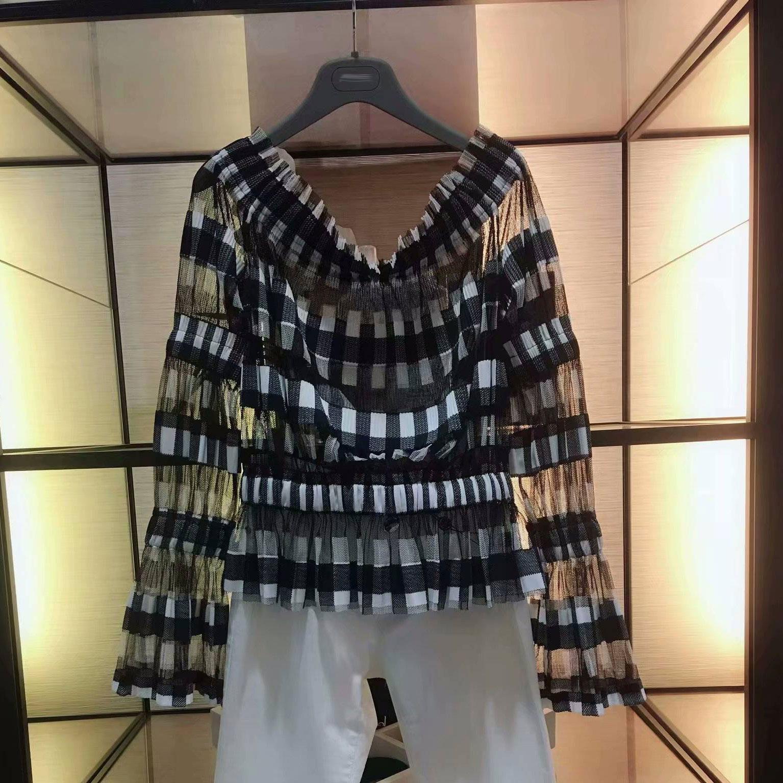 圣阿玛施塔夏官网2018夏季新款正品女装喇叭袖一字领修身格子衬衫