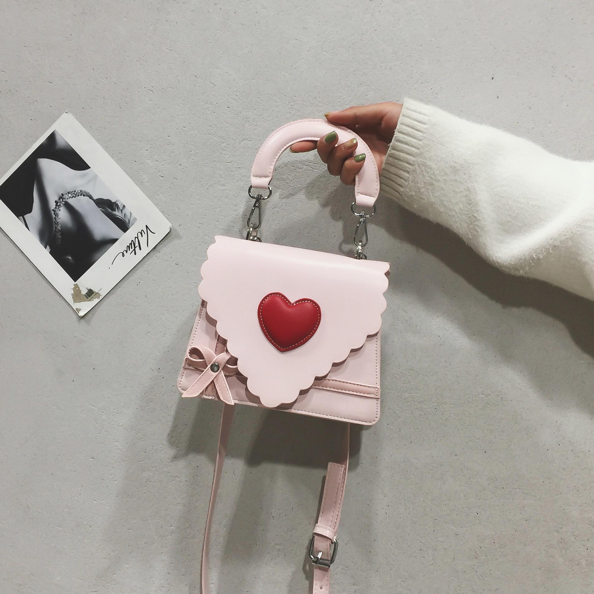 Ins super fire small bag womens 2019 new versatile fashion Korean fairy love fashion one shoulder slant cross handbag
