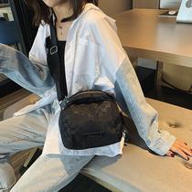 2020新款洋气牛津布女包单肩斜挎包时尚百搭尼龙轻便通勤实用小包