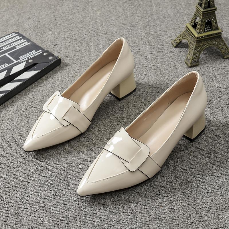 欧洲站女鞋2021春季新款中跟单鞋女尖头粗跟高跟百搭英伦小皮鞋潮