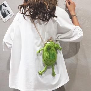 编织包包女包新款2021卡通可爱纯色休闲青蛙少女链条单肩斜挎包潮