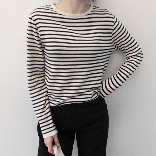 Hot selling new capture lens goddess fine stripe long sleeve thin knitted T-shirt in South Korea in autumn and winter of 2019